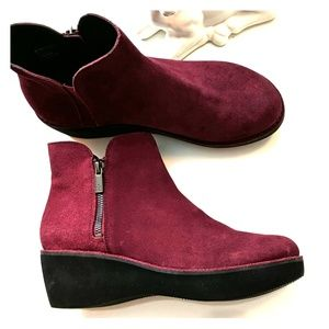 Kenneth Cole Reaction Burgundy Suede Ankle Boots
